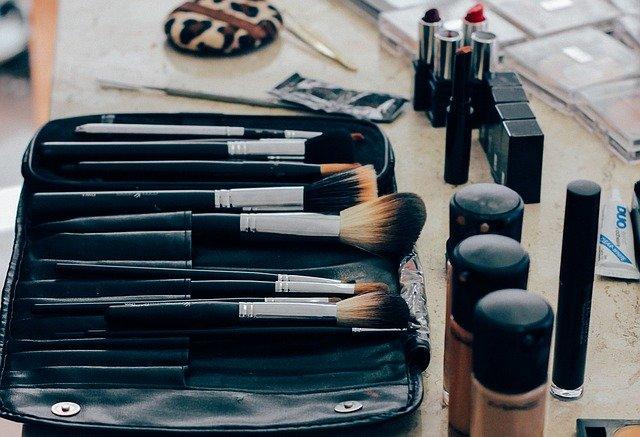 pędzle do makijażuw zestawie