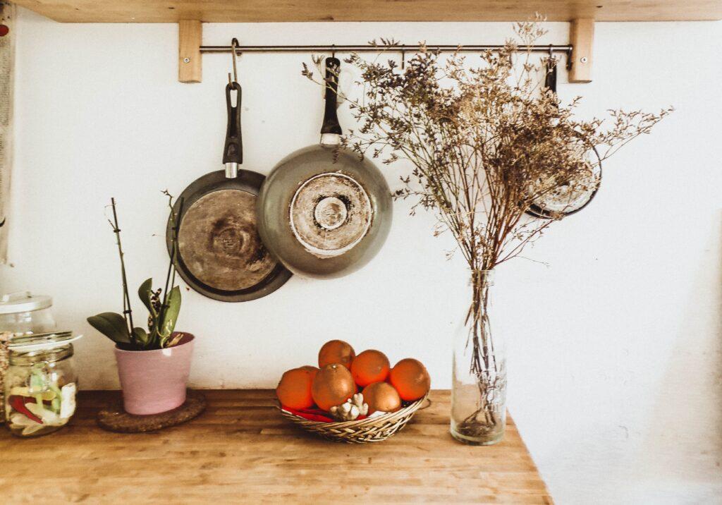 Kuchnia w stylu skandynawskim: drewno